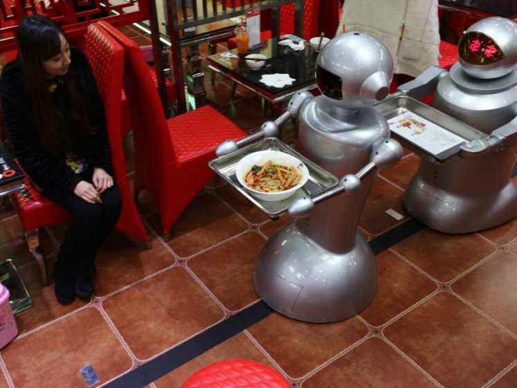 restaurant-spends-100-thousand-us-dollars-hiring-robots-as-w